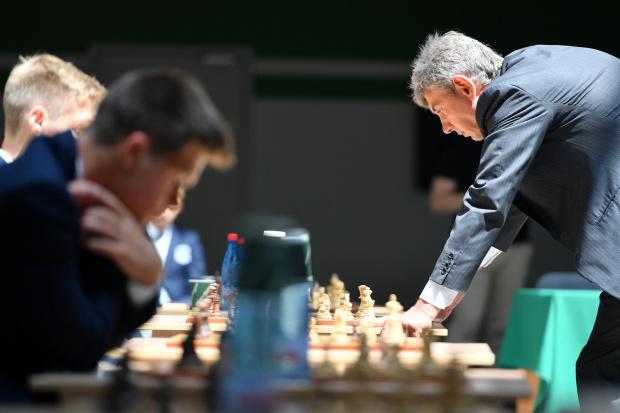 Президент клуба провел сеанс одновременной игры в шахматы с воспитанниками Академии. Официальный сайт ФК «Краснодар